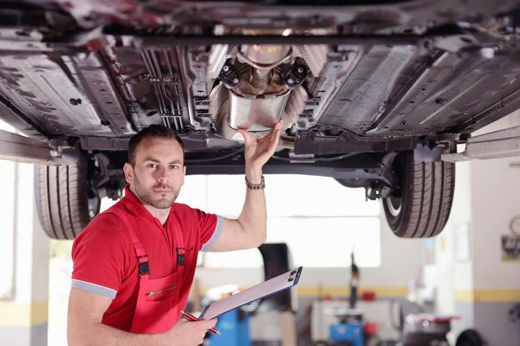 usunięty filtr cząstek stałych w samochodzie osobowym